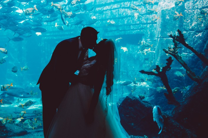 Atlantis wedding photo with aquatrium