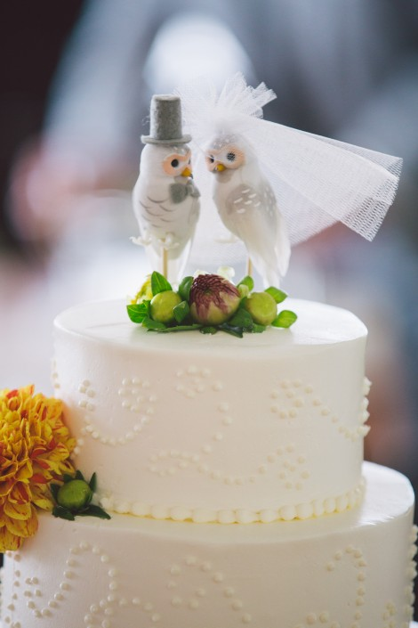 wedding cake topper lovebirds