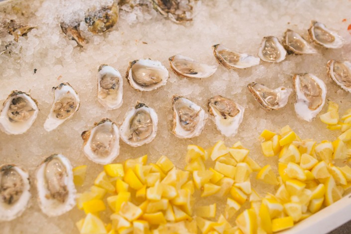 Raw Bar oysters at a cape cod wedding
