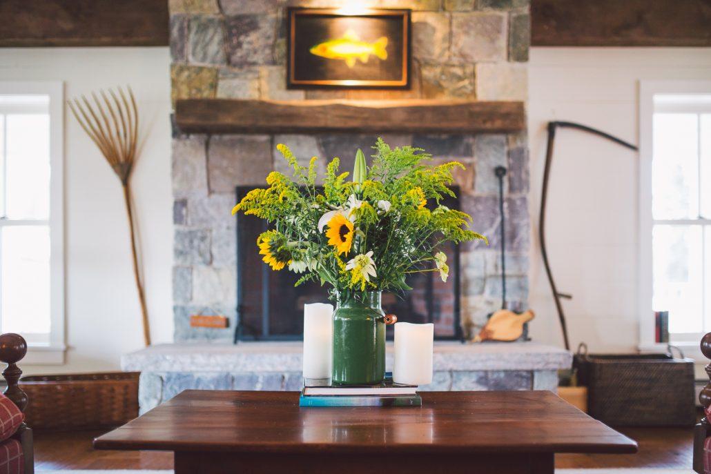 manchester vermont. hill farm inn wedding photo