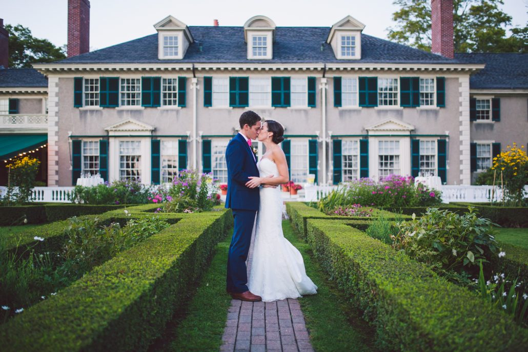 wedding bride and groom photography at Hildene wedding