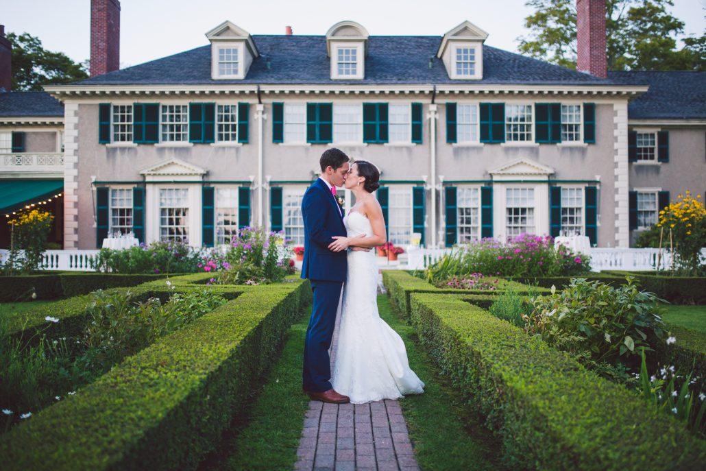 wedding bride and groom photography at Hildene wedding