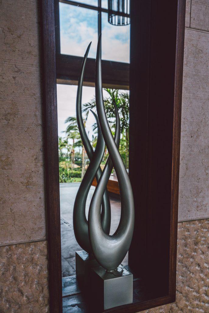 cove atlantis lobby sculpture