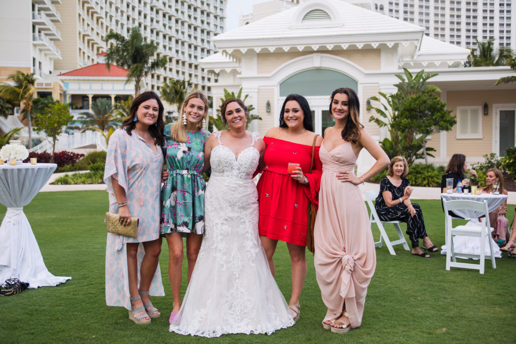 Bahamas destination wedding photo by Erik Kruthoff